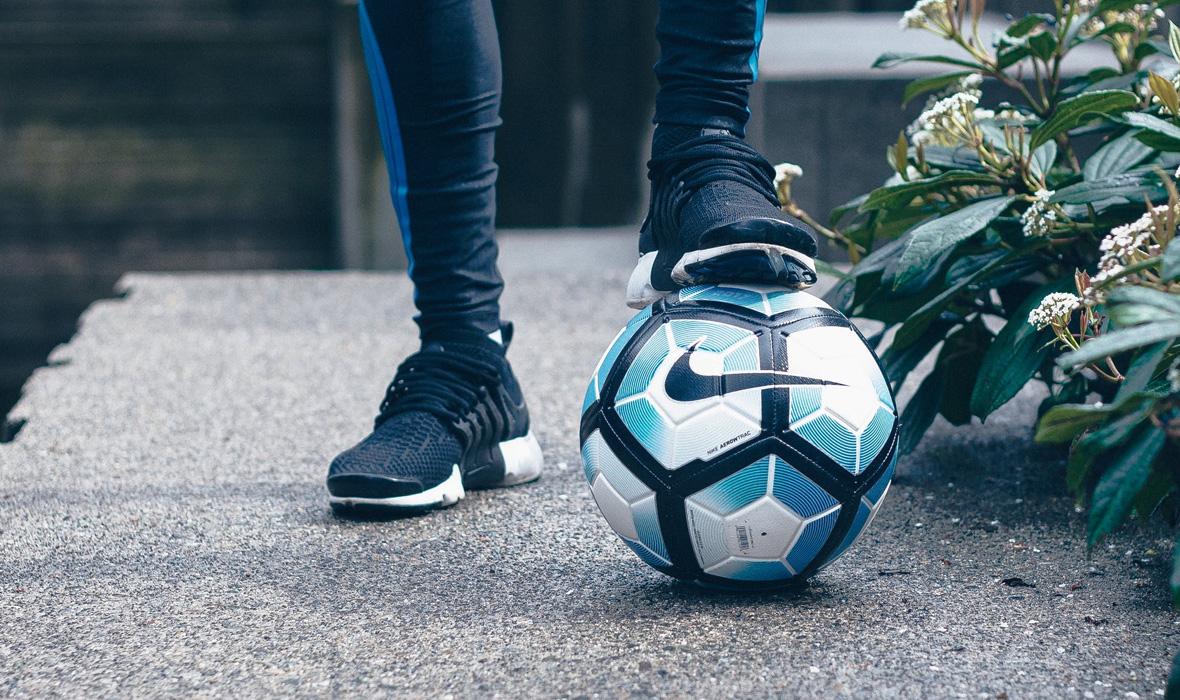 zapatos_futbol_organizar_jermaine_ulinwa_pexels